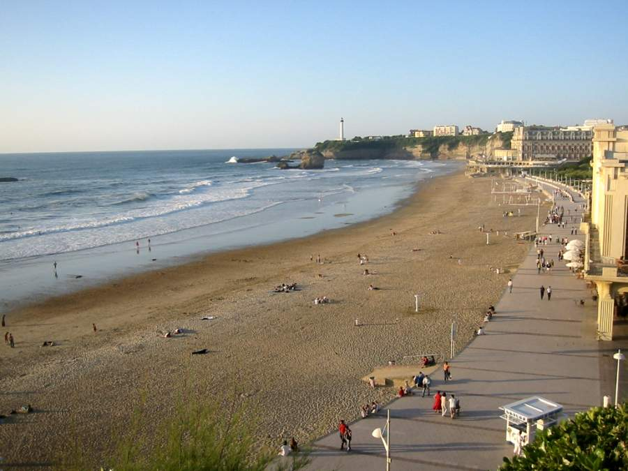 the seaside town of biarritz france photos and guide hotels and gites. Black Bedroom Furniture Sets. Home Design Ideas