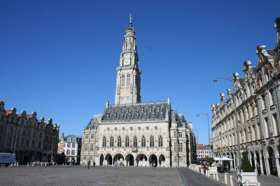 arras france pas de calais photos and guide city in northern france. Black Bedroom Furniture Sets. Home Design Ideas