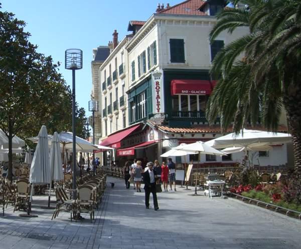 Biarritz street picture