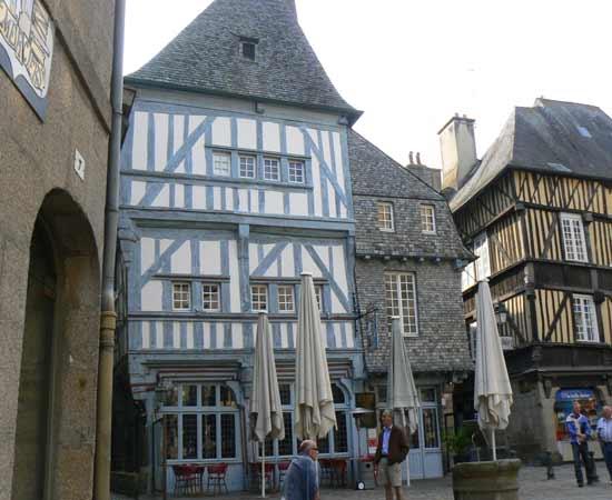 Dinan Street