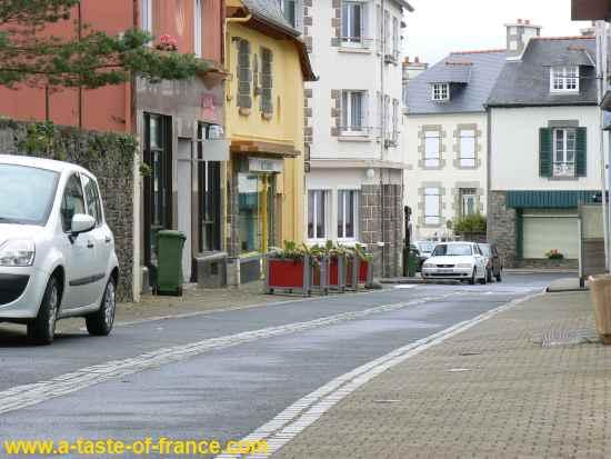 Etables-sur-mer street