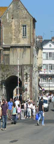 Honfleur centre street