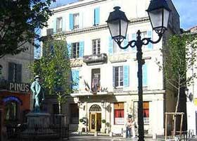 Arles hotel picture