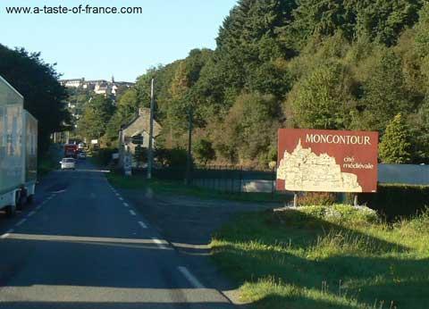 Moncontour sign Brittany