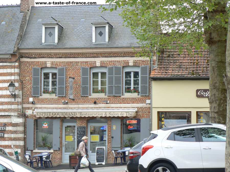 Saint Riquier,photos and guide to the town in Northern France