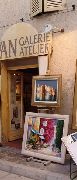St Tropez shop
