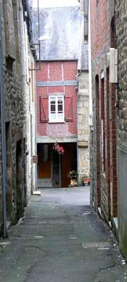 Villedieu les Poeles narrow street