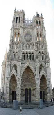 Amiens cathedral Notre Dame picture 1