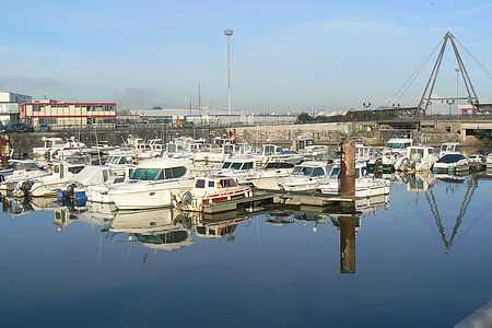 Boulogne marina picture