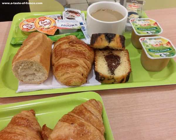 Breakfast in Paris France picture 1