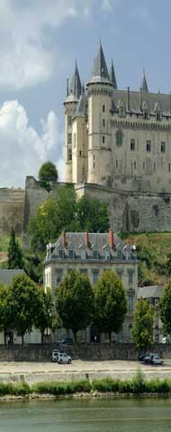 Chateau de Saumur and Loire river