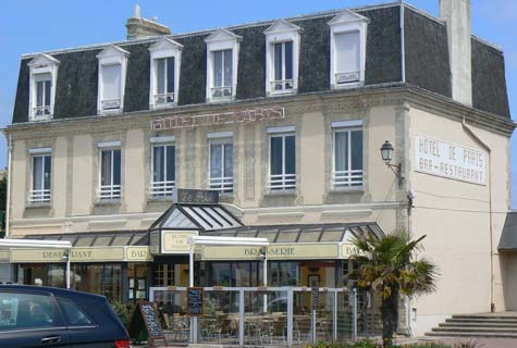 Courseulles sur Mer hotel de Paris France Calvados  Normandy