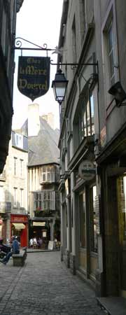 Dinan alley