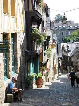 dinan street picture
