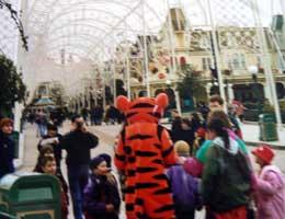 Disneyland Paris main street picture