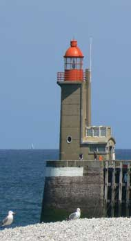 fecamp harbour light