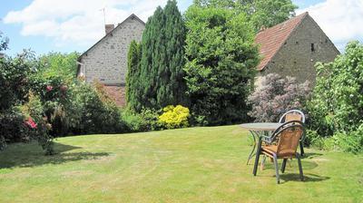 Tranquil rear garden