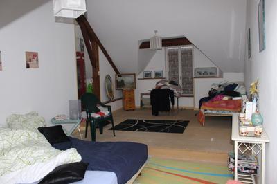 Studio on top floor