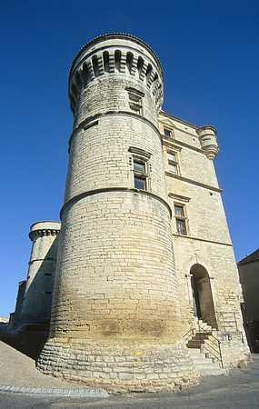 Gordes castle picture