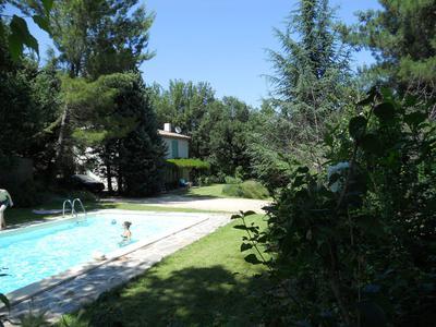 Pool & Villa