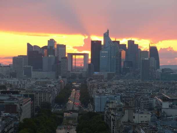 la defense Paris picture
