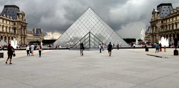 Louvre Paris picture