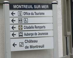 montreuil sur mer sign picture