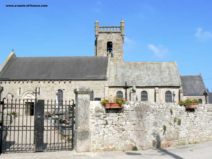 Neville sur Mer village in Normandy
