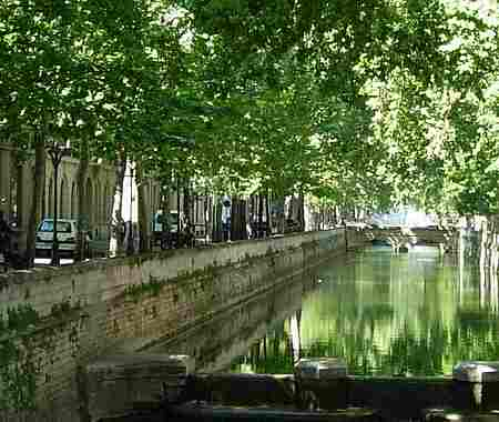 Nimes picture