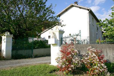 Farmhouse in Idyllic Location