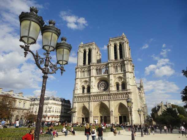 Notre Dame Paris picture