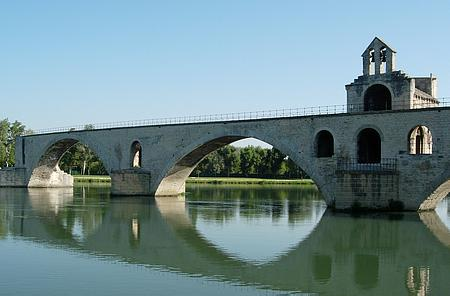 Avignon bridge picture 1