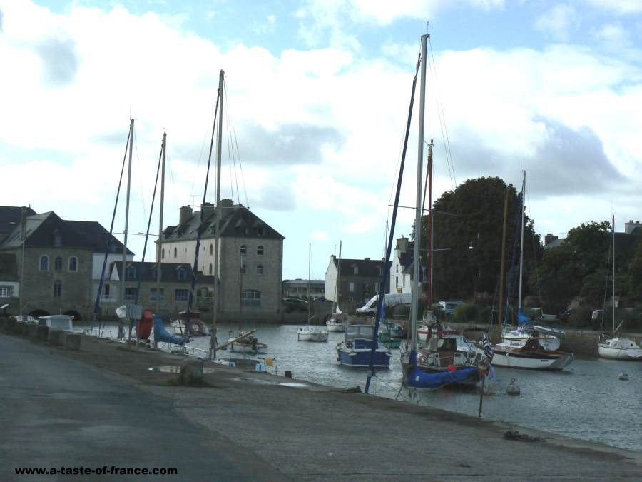 Pont l abbe photos and guide to the town in brittany - Piscine aquasud pont l abbe ...