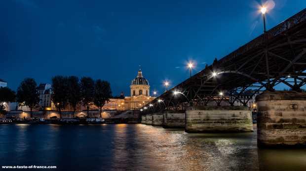 Pont des Arts Paris>  <p><b>Pont des Arts river Seine Paris </b></div>  <div class=