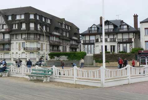 Trouville sur Mer boules Calvados  Normandy