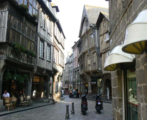 Brittany guide Dinan