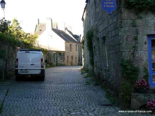 Locronan street