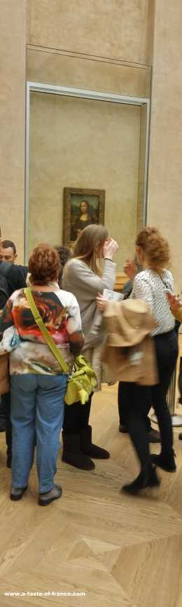 Mona Lisa Louvre museum Paris