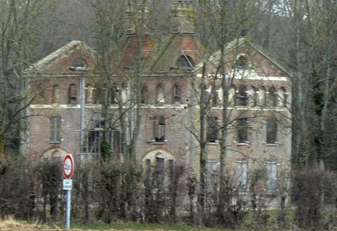 Nielles les Ardres old house