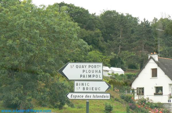 Saint Quay Portrieux sign Brittany