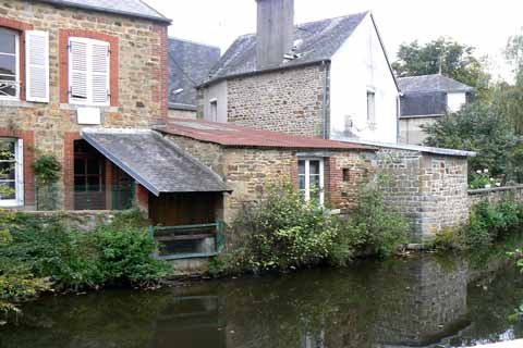 Villedieu les Poeles river Normandy