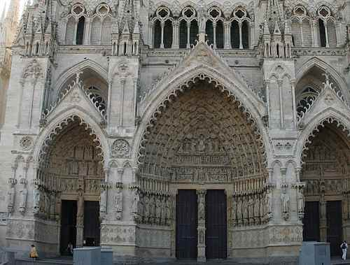 Amiens cathedral door picture