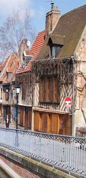 Amiens old house