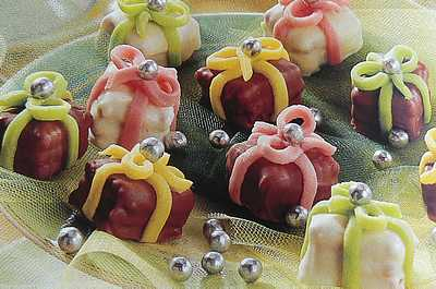 Birthday petits fours picture