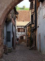 colmar street picture