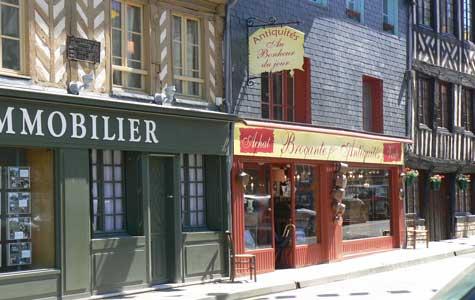 Cormeilles antique shop