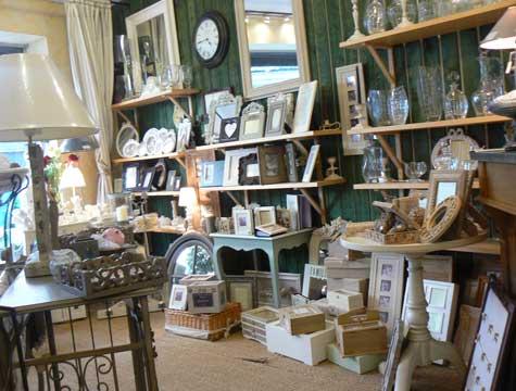 Cormeilles gift shop