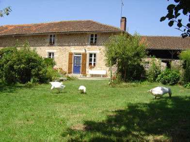 Les Trois Chênes B&B and Painting Courses