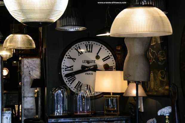 antiques market Paris