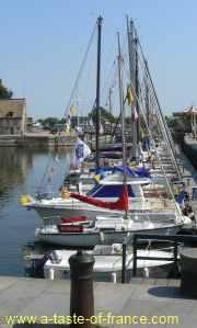 Honfleur boats